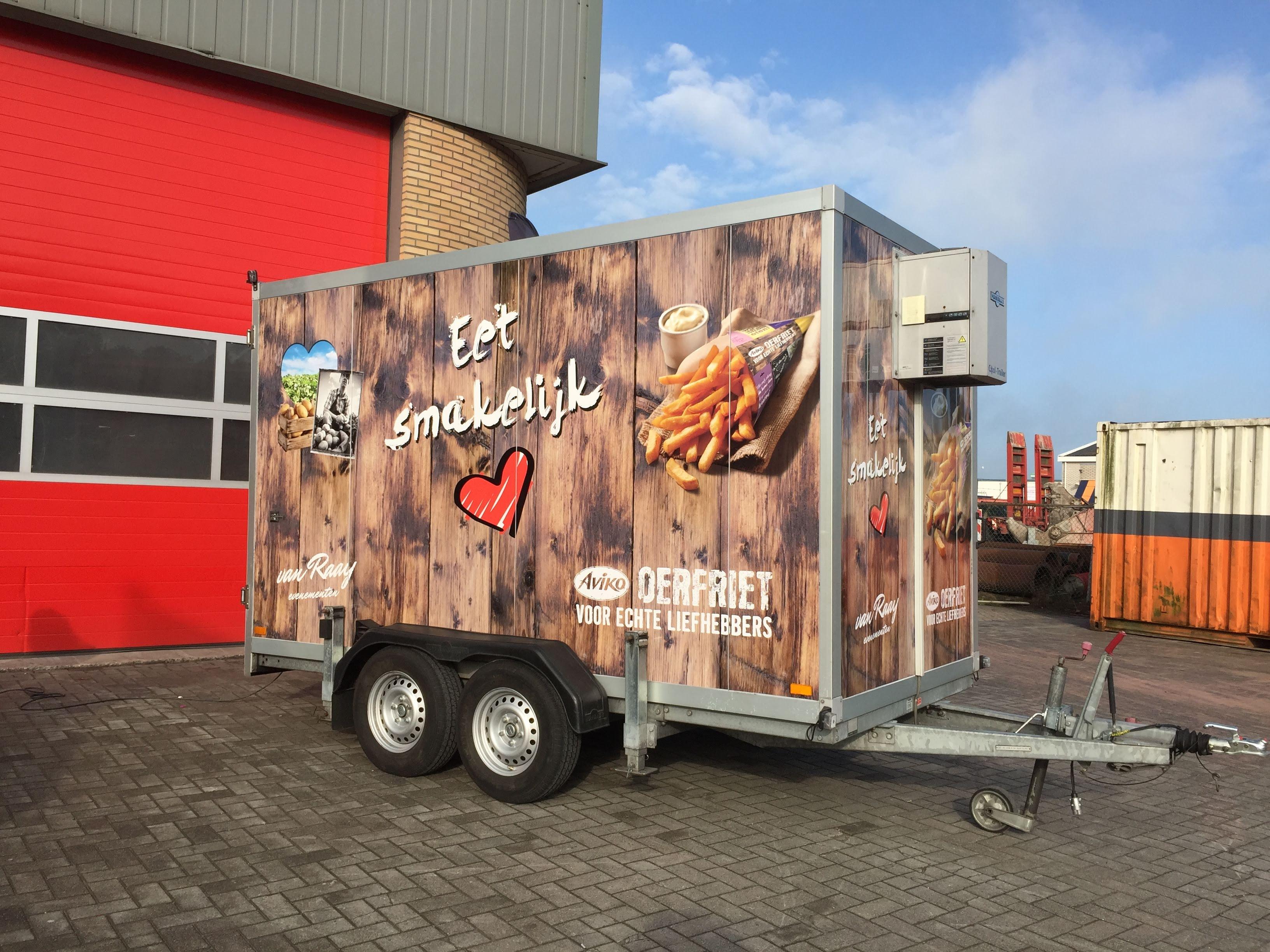 reclame. sign, belettering, koelwagen, aanhanger, Van Raaij evenementen, AS Paint, Vriezenveen, Twente, Twenterand