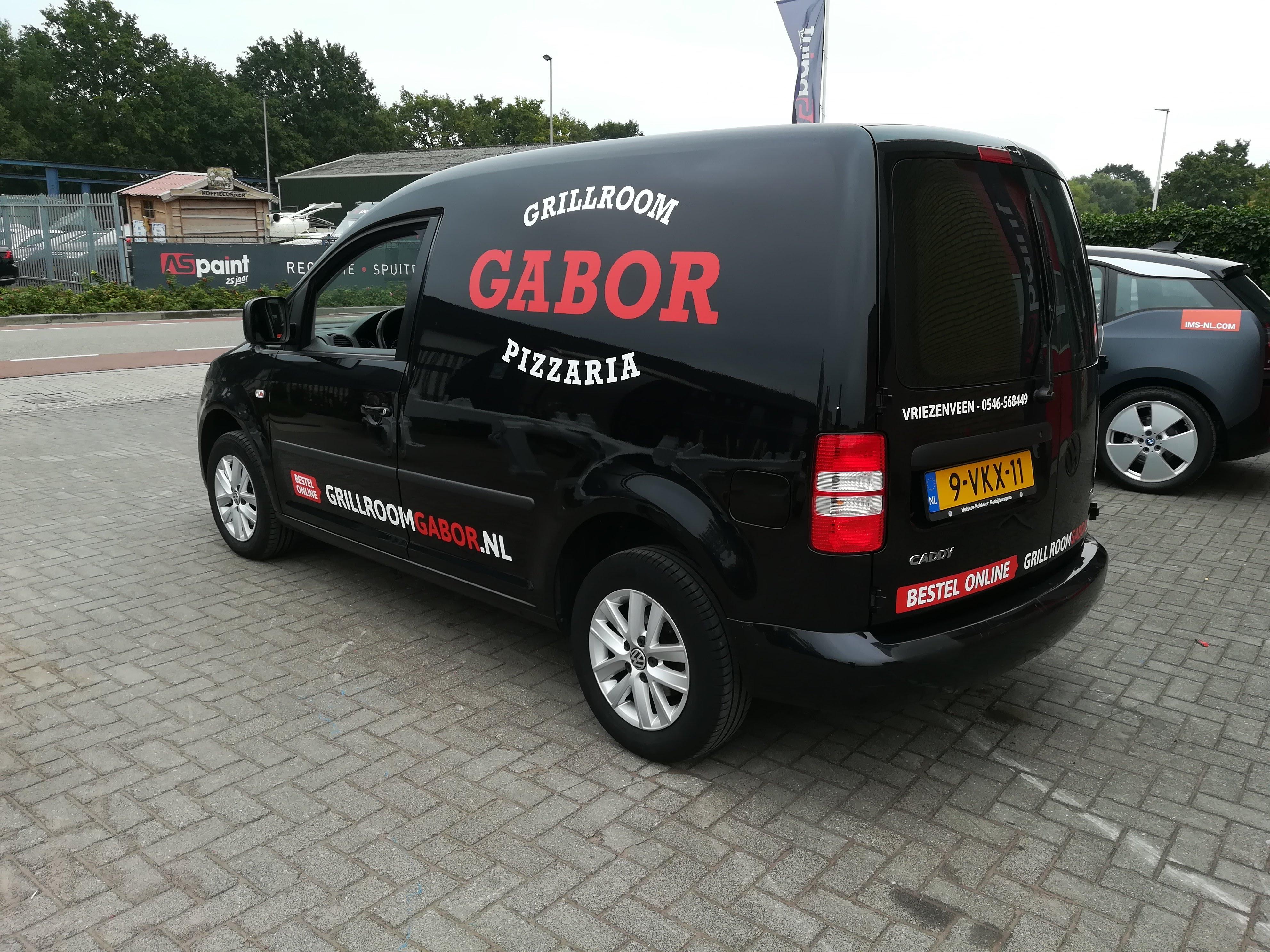 Autobelettering, Grillroom Gabor, Volkswagen Caddy, Seat Inca, Vriezenveen, Twente, Belettering, Autoreclame
